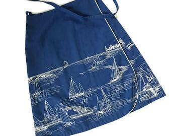 Vintage Nautical Wrap Skirt / Sailboats / Navy Blue 70s Skirt