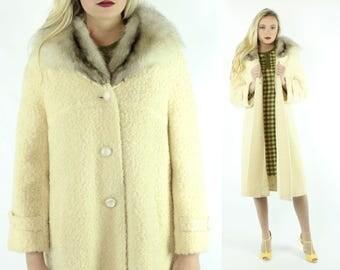 1950s Ivory Boucle Coat Fox Fur Collar Bracelet Length Sleeves Winter White Vintage 50s Medium M Swing