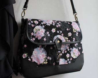 Messenger crossbody bag - zipper closure - black pink white blue - Mina