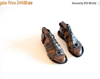 25% off Storewide // Vintage 1990s strappy LEATHER sandals / 7