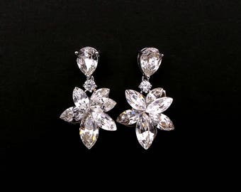 christmas prom bridal wedding bridesmaid gift Swarovski clear white multi shape flower foiled crystal rhinestone rhodium post earrings