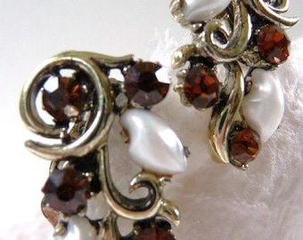 Lisner clip earrings | faux pearl smoky topaz faux garnet clip earrings | signed vintage jewelry | 1950s 1960s