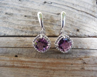 Beautiful amethyst earring handmade in sterling silver 925 with cushion cut amethyst stones