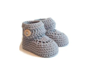 Short Button Cuff Baby Booties in Grey Merino Wool