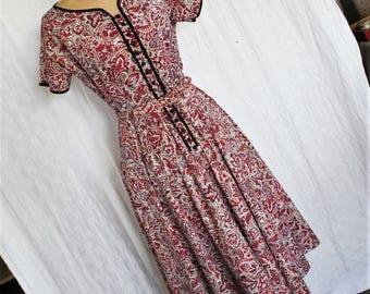 Cute Vintage 1950s Cotton Day Dress