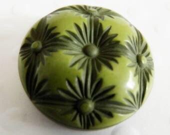 Vintage Buffed Celluloid Button Green Flowers