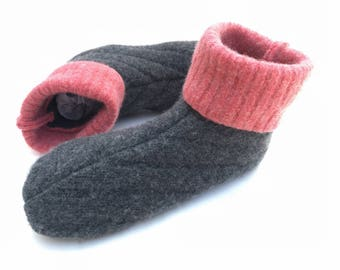 Kids Wool Slippers, Medium, Grippy Bottoms, Size 11 to 13, Age 4 1/2 to 6 1/2 years, Gray & Pink, Ready to Ship, Machine Washable, Waldorf