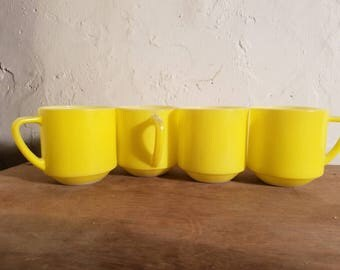 set of 4 Federal yellow cups