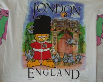 Vintage 80's GARFIELD The Cat Queens Guard London England Military Tourist Punk Rock T Shirt Adult Size S
