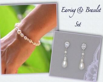 Pearl Bridal Jewelry Set, Pearl Bridal Bracelet & Earrings, Clip on Earrings Option, Pearl Bridal Jewelry, Bridesmaids Jewelry Set
