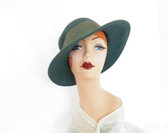 Woman's fedora hat, vintage 1960s teal felt, Street Smart Betmar