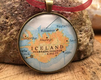 ICELAND Christmas Ornament, Keep a memory Alive / HONEYMOON Gift / Wedding Map Gift / Travel Tree Ornament /Bridesmaid Gift / Secret Santa /