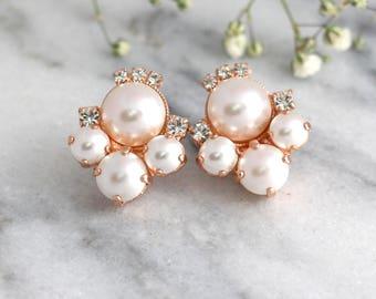 Pearl Earrings, Bridal Pearl Earrings, Bridal White Pearl Cluster Earrings, Bridal Swarovski Pear Earrings, Bridesmaids Earrings