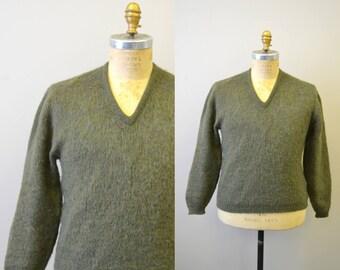 1960s Green Fuzzy Men's Sweater