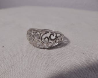Vintage Sterling Silver Scroll Ring  Size 9