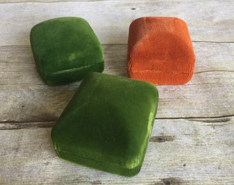 Set of Vintage Green and Orange Ring Boxes - Vintage Wrapping - Bright Velvet box - Jewelry Box