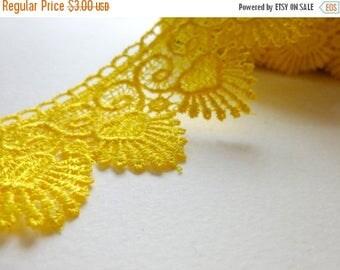 ilovesales Wide Crochet Lace trim in Yellow- 1 yard