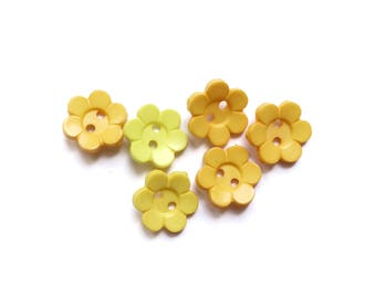 6 Assorted Yellow Flowers Shaped Plastic Buttons