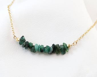 Natural Raw Emerald Bar Necklace, Gemstone Layering Necklace, May Birthstone Necklace, Delicate Necklace, Minimalist Beaded Bar Necklace