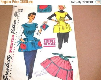SALE Vintage 50s Apron with Pockets SIMPLICITY Pattern 4492 Sewing Womens Home Decor Color Illustrations