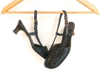 Vintage Shoes Pumps Low Heels / Navy Blue Leather Woven / Open Back / Sling Back / Open Heel Pumps / Italian / 60s 70s / size 6.5 - 7.5