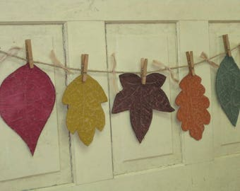 Fall Leaves Primitive Garland - 5 Flat Painted Fabric Leaves - Autumn Garland - Hanging Fall Leaves - Primitive Decor - Wall Hanging