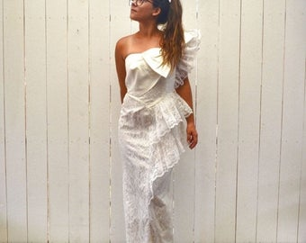 34% Off Sale - White Lace Wedding Dress 1980s Big Bow Tiered Ruffle Vintage Off The Shoulder Dress Small Medium