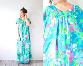 30% OFF SALE Vintage Boho blue Hawaiian maxi floral dress // blue green multi-colored maxi dress // floor length dress // blue floral print