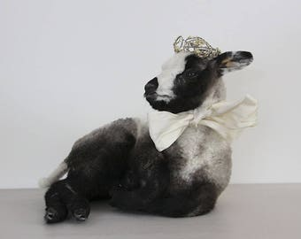 Vintage Taxidermy Lamb, Jeanne D'arc Living, Nordic Decor,  Biege and Brown Sheep