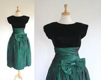 ON SALE 80s Green Velvet and Taffeta Party Dress