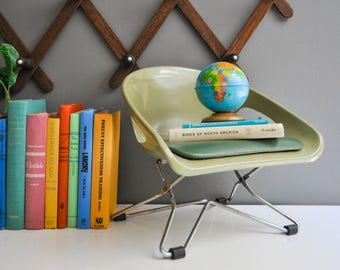 Mid-Century Avocado Green Cosco Booster Seat - Adjustable Booster Seat