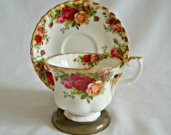 Royal Albert Teacup and Saucer Old Country Roses Vintage Tea Cup