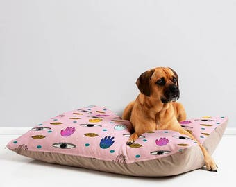 Eyes Hands Lips Waterproof Pet Bed, Trendy Washable Unique Cat Dog  Mattress, Warm Portable