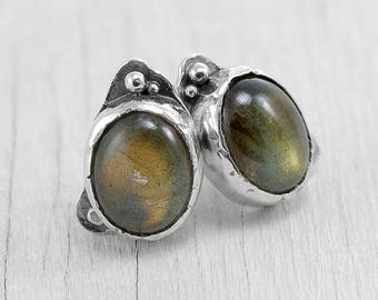 MAY RISING - tiny earrings with labradorite