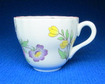 Spode Marlborough Sprays  set of 6 tea cups. 2 6770 M . I have no saucers for these cups .