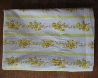 Vintage Standard Floral Cottage Chic Cannon Pillowcase Pair Yellow Rose