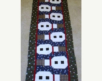 20 % off thru 8/20 TOPSY TURVY SNOWMEN Christmas quilted table runner pattern WInter January Year two