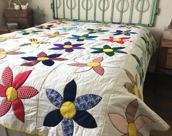 "Vintage Quilt - Bed Spread - Big Bold Mod Flowers - Handmade - Vintage Fabric - 84""W x 86""L - Retro Quilt"
