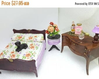 Jaydon Bed with Renwal Tables  Doll House Toy Bedroom Lilac and Orange