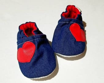 Denim baby moccs shoes girl booties baby shoes vegan soft sole shoes heart moccs girly shoes heart baby shoes Jean heart booties rubber sole