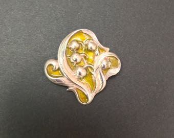 Art Nouveau Floral Brooch