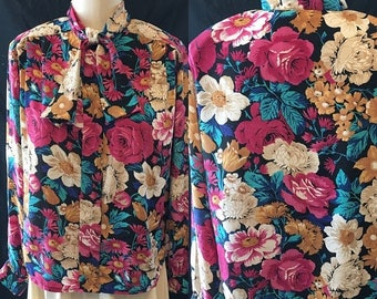 35% off Sale Retro 1980 cabbage rose floral design button front medium shirt blouse