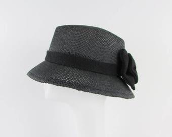 SALE Garden Party Straw Basket Hat in Black - Vintage 1980s Straw Bucket Hat w/ Bow