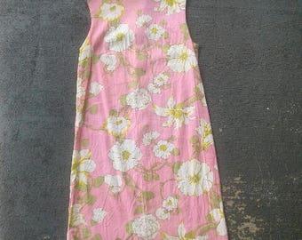 Vintage 60s/70s Pink Floral Dress