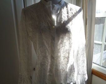 Vintage Ralph Lauren LAUREN Label White Cotton Machine Embroidered Blouse, Size 16, in Mint Condition with ruffled edged sleeves and waist