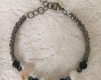 Black Agate and White Banded Agate Beaded Memory Wire Bracelet