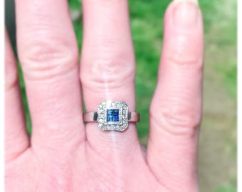 Free Shipping: Vintage Art Deco 14k White Gold Calibrè Cut Blue Sapphire and Diamond Halo Ring / Size 5.5