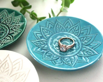 Wedding Ring Holder - Handmade Emerald / White / Turquoise Ring Dishes - stamped with tropical pattern.  Great bridesmaid, engagement gift!
