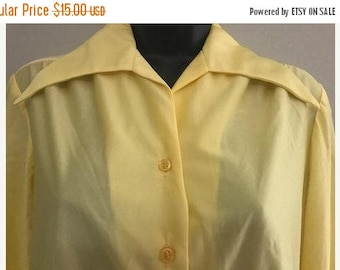 ETSYCIJ Vintage Yellow Long-Sleeved Button Up Blouse / Light Weight Sheer Button Up Yellow Blouse Size Large