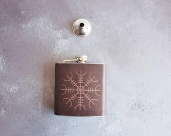Ægishjálmur Leather flask, personalised rune hip flask Icelandic Stave hip flask, personalised viking rune custom wedding gift leather flask